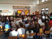 Junta oferece espetáculo de teatro a crianças das escolas da Freguesia